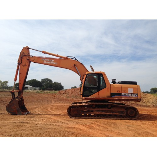 "2005 DOOSAN DAEWOO S225LCV HYDRAULIC EXCAVATOR EQUIPPED WITH A 48"" BUCKET"